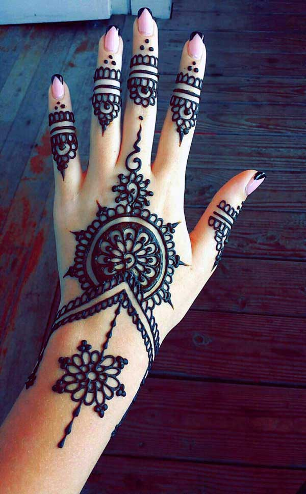 nice henna tattoos