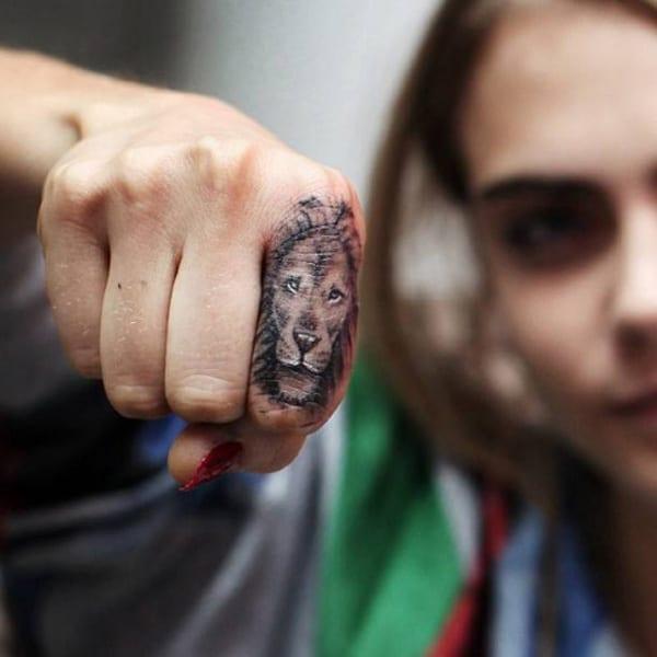 løve tatovering ideer
