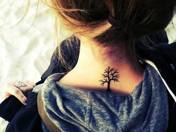 tree tattoo on hals