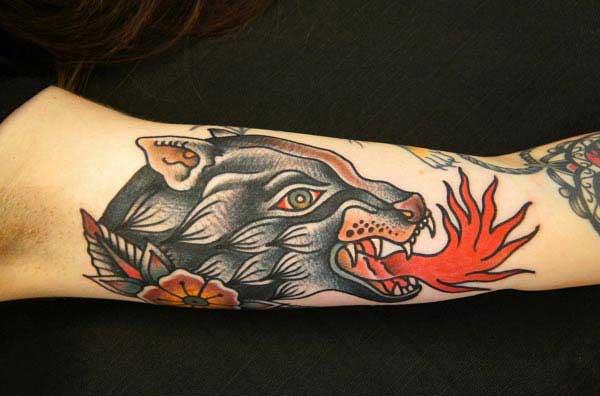 φοβερό τατουάζ λύκος