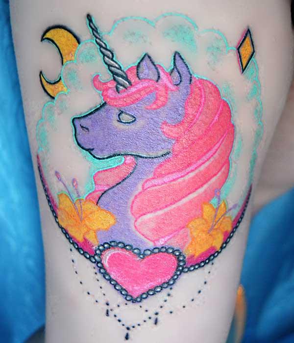 жіноча мила татуювання