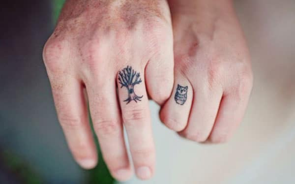 friendship tattoos on fingers