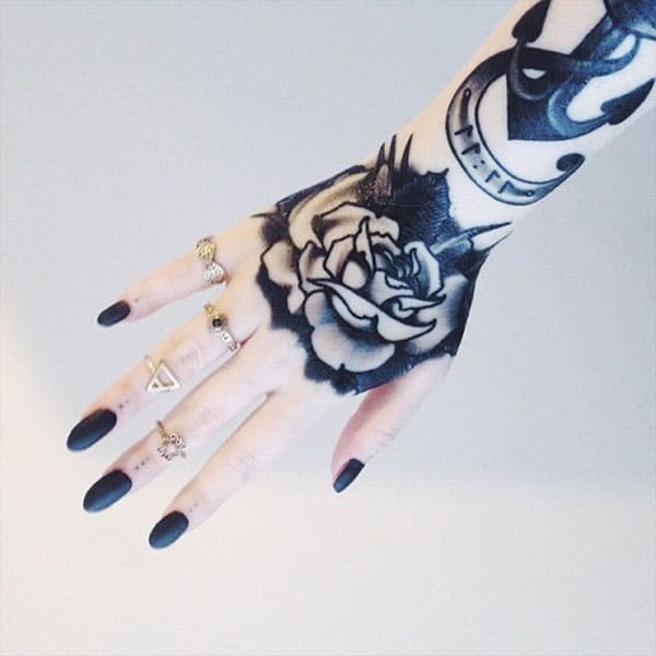 hand tattoos black