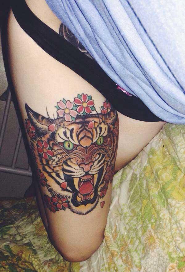 момичета тигър татуировки
