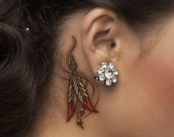 super süß hinter dem Ohr Tattoo