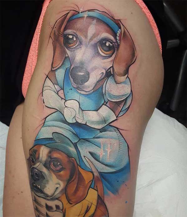 स्त्री कुत्ता टैटू