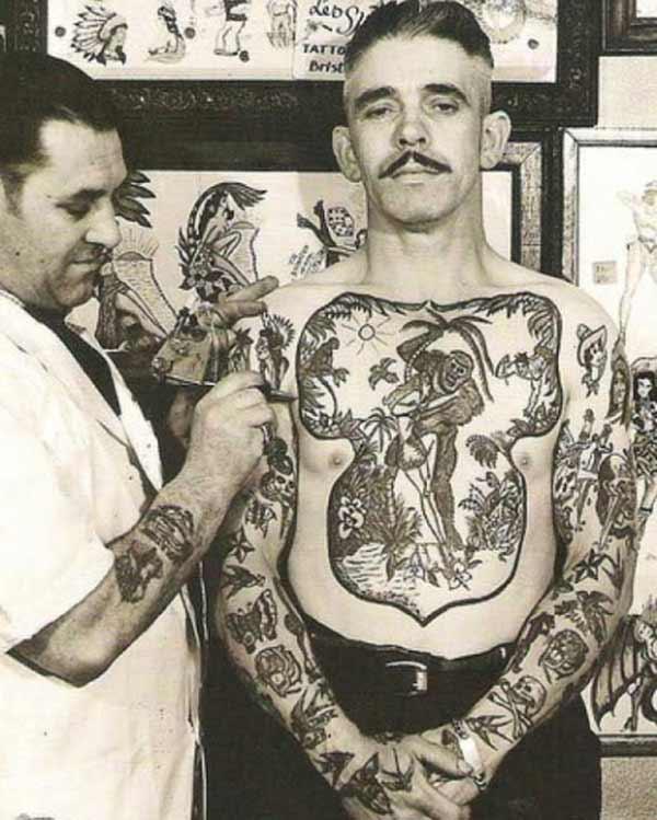 nuostabus vintage tatuiruotes