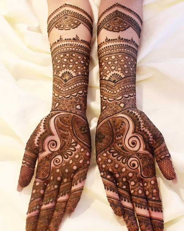 Cute henna mehendi tatoo design on hand