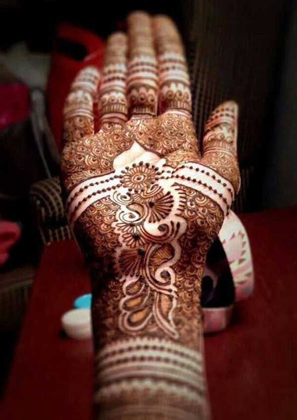 Cute henna mehendi tattoo design on hand
