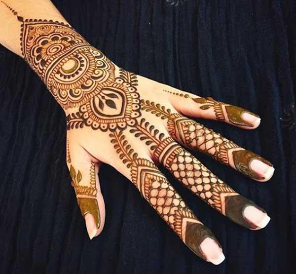 arabic henna mehndi tatto design on hand