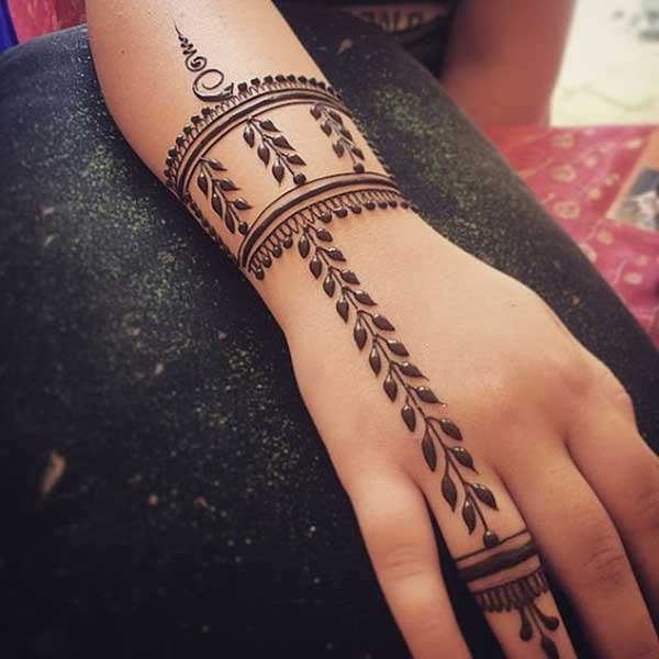 easy henna mehendi tattoo design on hand