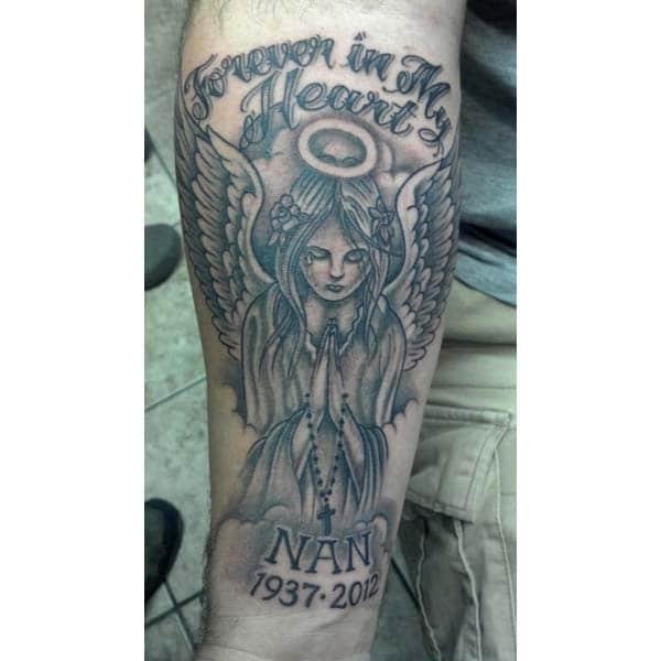 Para siempre en mi corazón, la idea del tatuaje rasga para la mano