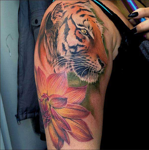 Tiger tattoo ink idea for girls on shoulder
