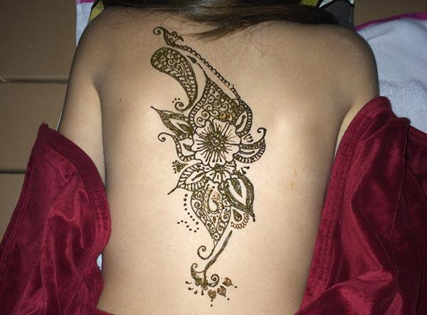 Back Henna / Mehndi tattoo designs idea