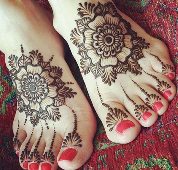 Феет Хенна / Мехнди идеја о дизајну тетоваже