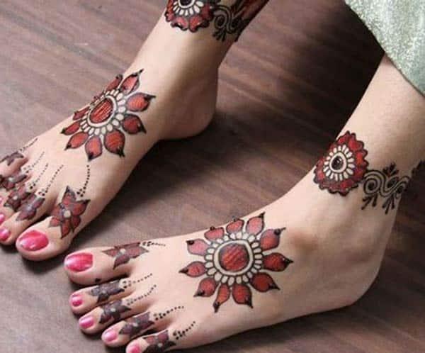 Feet Henna / Mehndi diseños de tatuajes idea