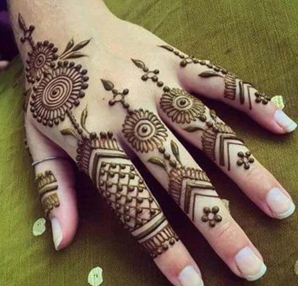 пръсти Хена / Mehndi дизайн татуировка идея