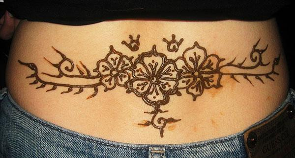Lower back Mehndi tattoo designs idea