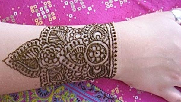 Wrist Henna / Mehndi tattoo designs idea