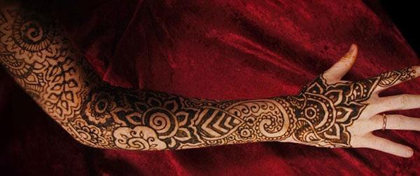 Full arm Mehndi tatoveringsdesign ide