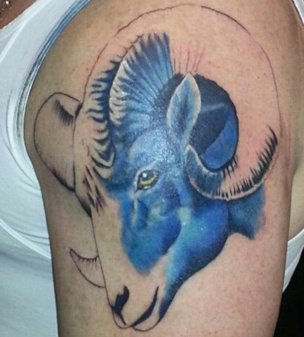 Awesome Awesome tattoo design idea ho an'ny tanana ambony