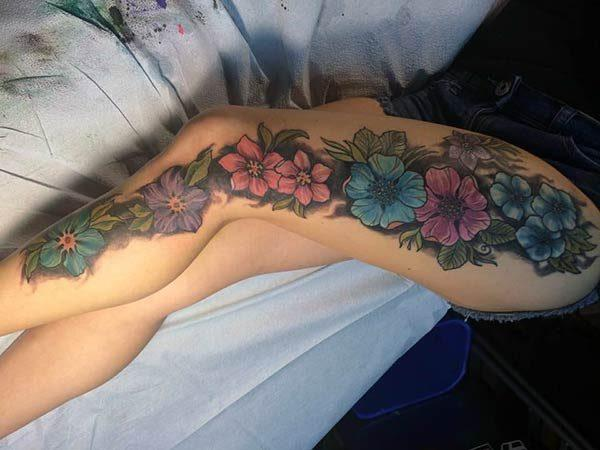 A sexy full leg tattoo design for girls