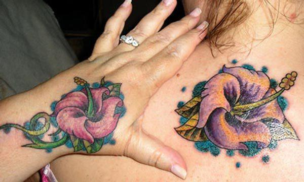 A wonderful matching tattoo for ladies