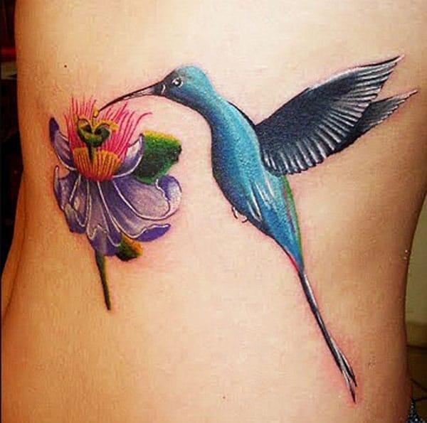 птичьи татуировки на стороне