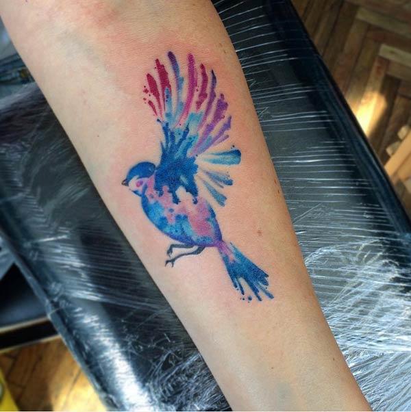красочные татуировки птицы