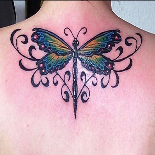 fluture tatuaje pe spate