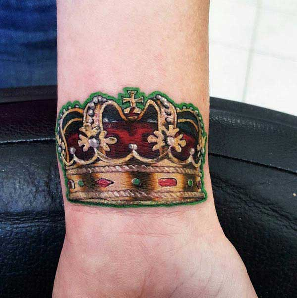 best crown tattoos