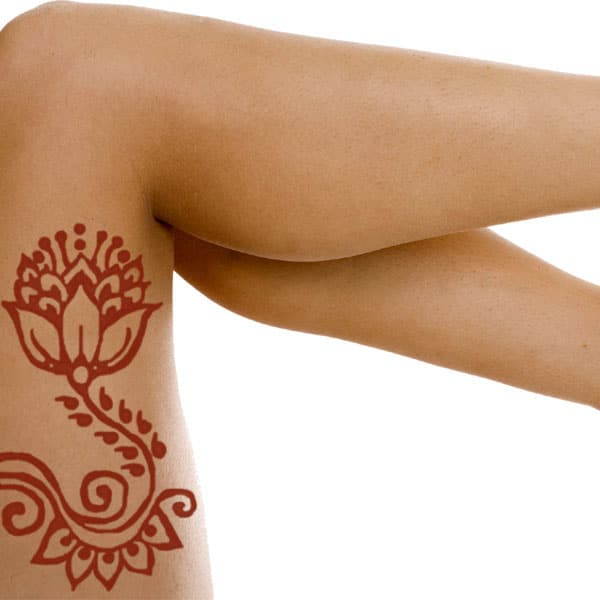 henna tattoo on thigh