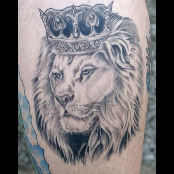 사자 왕관 문신