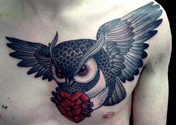 erkekler için göğüs baykuş dövmeleri