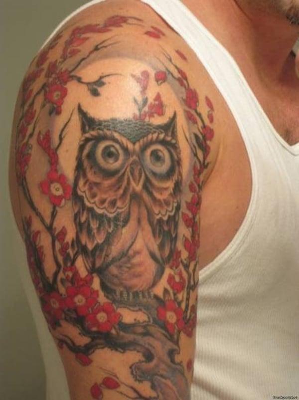 baykuş dövmeleri kolunda
