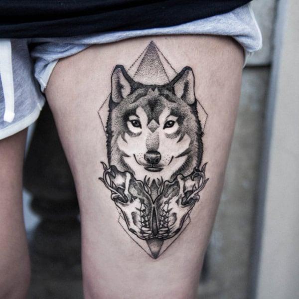 ulv lår tatovering
