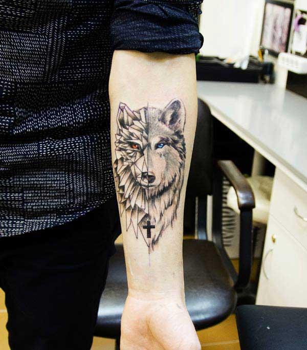 қасқыр қол татуировкасы