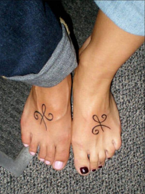 совпадение лучших татуировок друзей