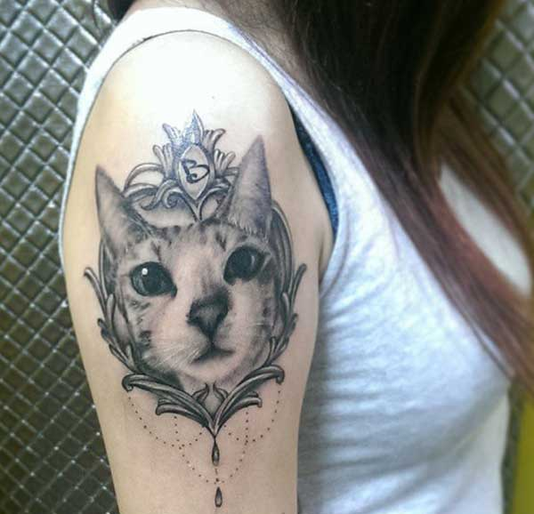 tatouages ​​de chat de fille