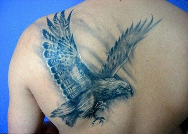 uchuvchi burgut tatuirovkalari