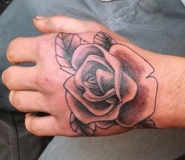 men mak tatoo