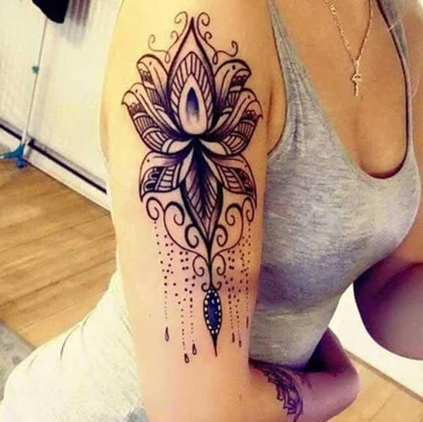 黒蓮の花の入れ墨
