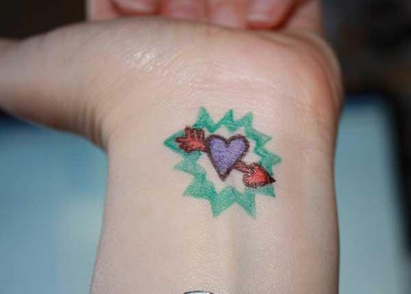 urocze tatuaże nadgarstka