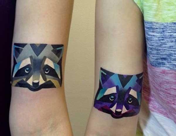 fantastiska matchande tatueringar