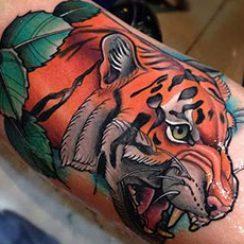 bäst armbåge-tatuering-för-män-24