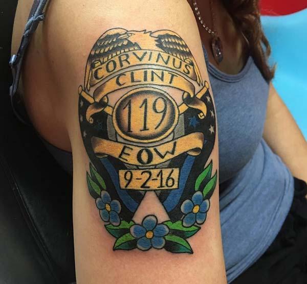 ແນວຄວາມຄິດອອກແບບ tattoo RIP ກ່ຽວກັບບ່າ