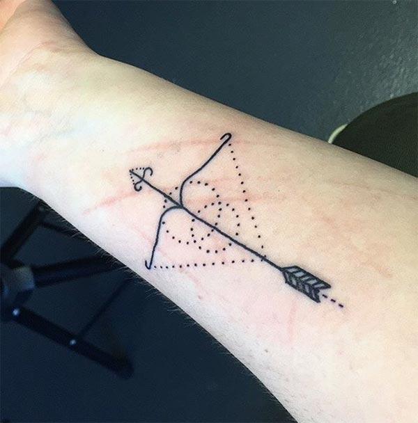 Arrow kepala Tato Sagittarius untuk orang-orang yang pandai