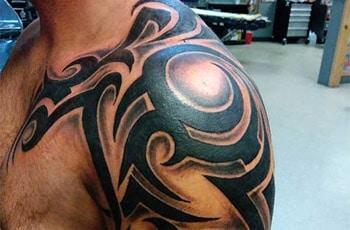 beste skouer tattoos vir mans