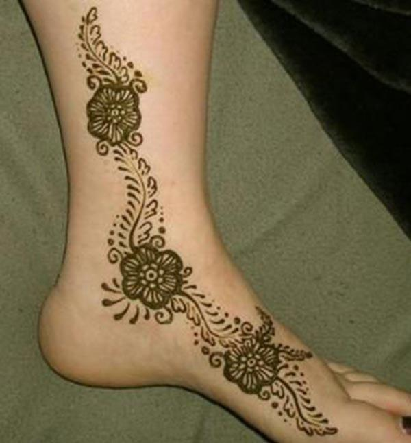 Ankle Henna / Mehndi tattoo designs idea