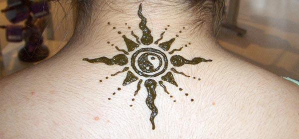 Hals Mehndi Tattoo Designs Idee